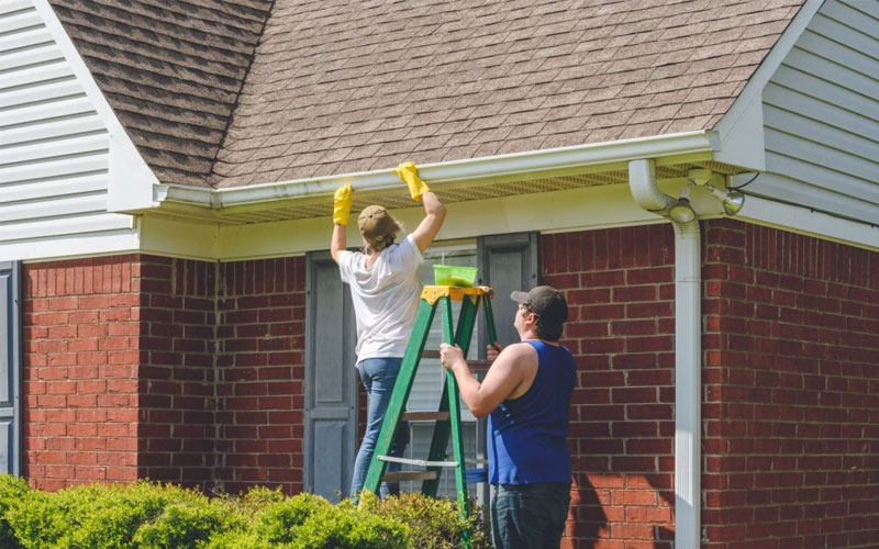 The best ways to clean gutters
